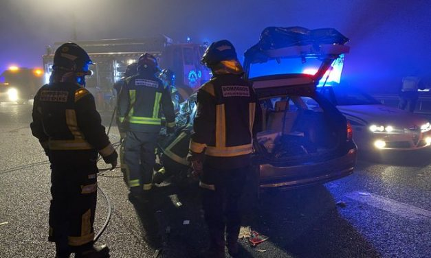Muere un hombre tras chocar frontalmente con un conductor kamikaze en la A5